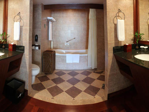 Grand Soluxe Angkor Palace Resort & Spa Siem Reap bathroom