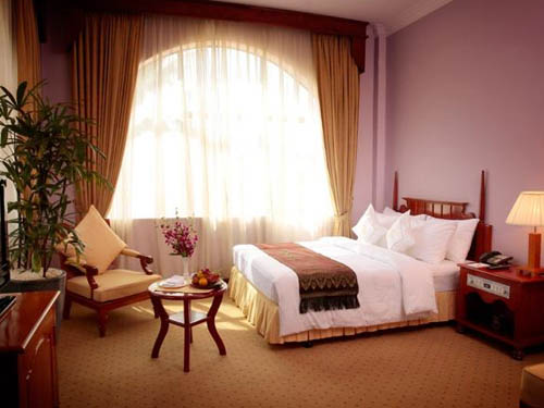 Ree Hotel Siem Reap deluxe city view room
