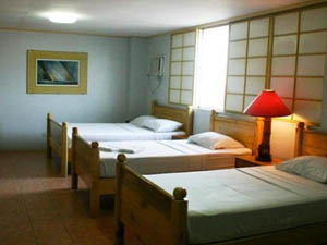 preview Nichols Airport Hotel Manila family room 3 persons