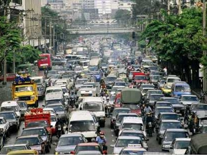 foreigners drive manila