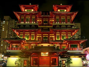 Buddha Tooth Relic Temple and Museum Singapore Chinatown Preview