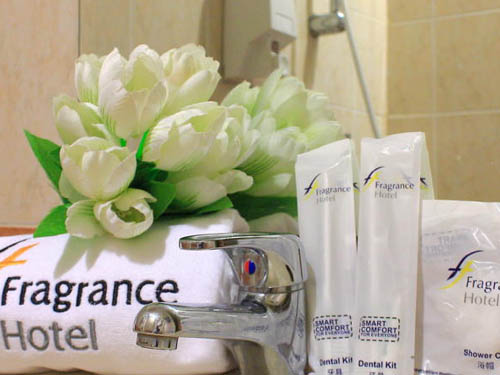 Fragrance Hotel Ocean View Singapore Harbourfront bathroom amenities