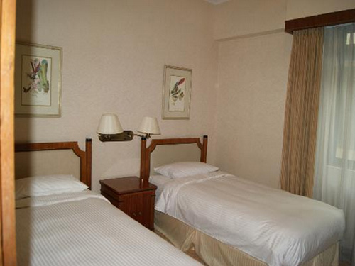 Le Grove Serviced Apartments Singapore Hotel Orchard Bedroom With Twin Beds