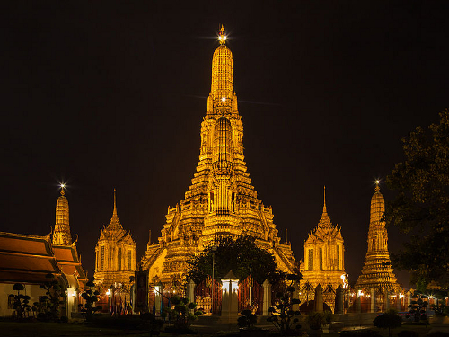 Wat Arun Thonburi At Night