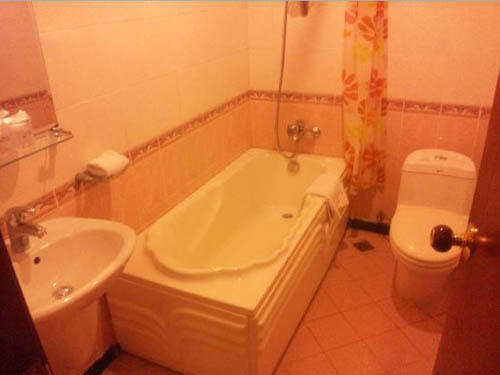 Ariva MS Salute Hotel Hanoi Bathroom